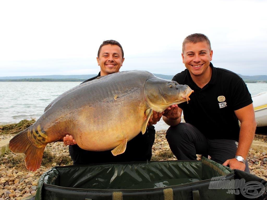 A 2011-ben megrendezett WCC versenyen a 7. hely mellett ezzel a 24,80 kg-os tükrössel elnyertük a szektor legnagyobb haláért járó díjat