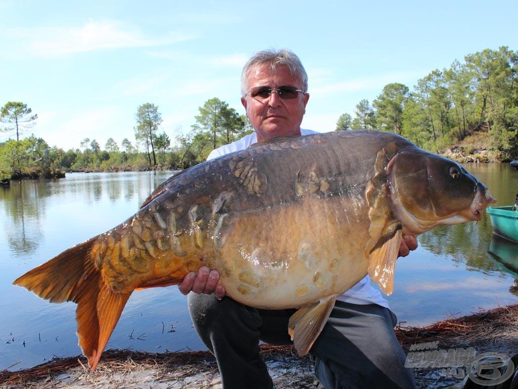 Laci bácsi egy 23,20 kg-os bokorlakóval…