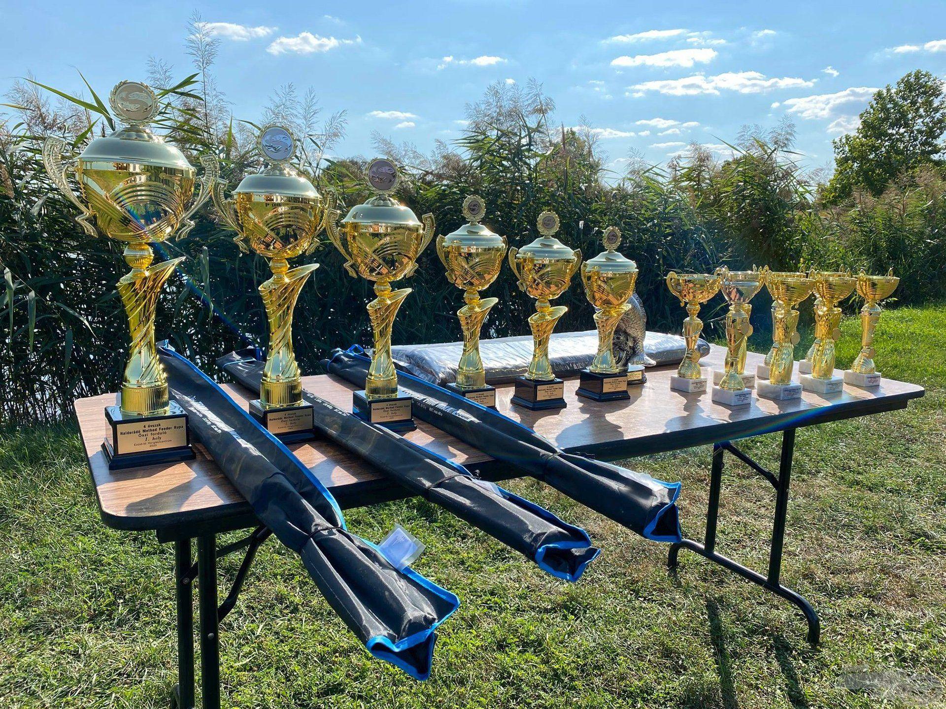 Természetesen ezúttal is igazán szemrevaló kupákért és végül értékes díjakért folyik majd a küzdelem!
