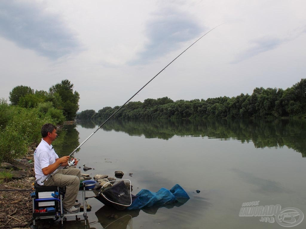 A horgászat helyszínéül a Tisza tímári szakaszát választottuk