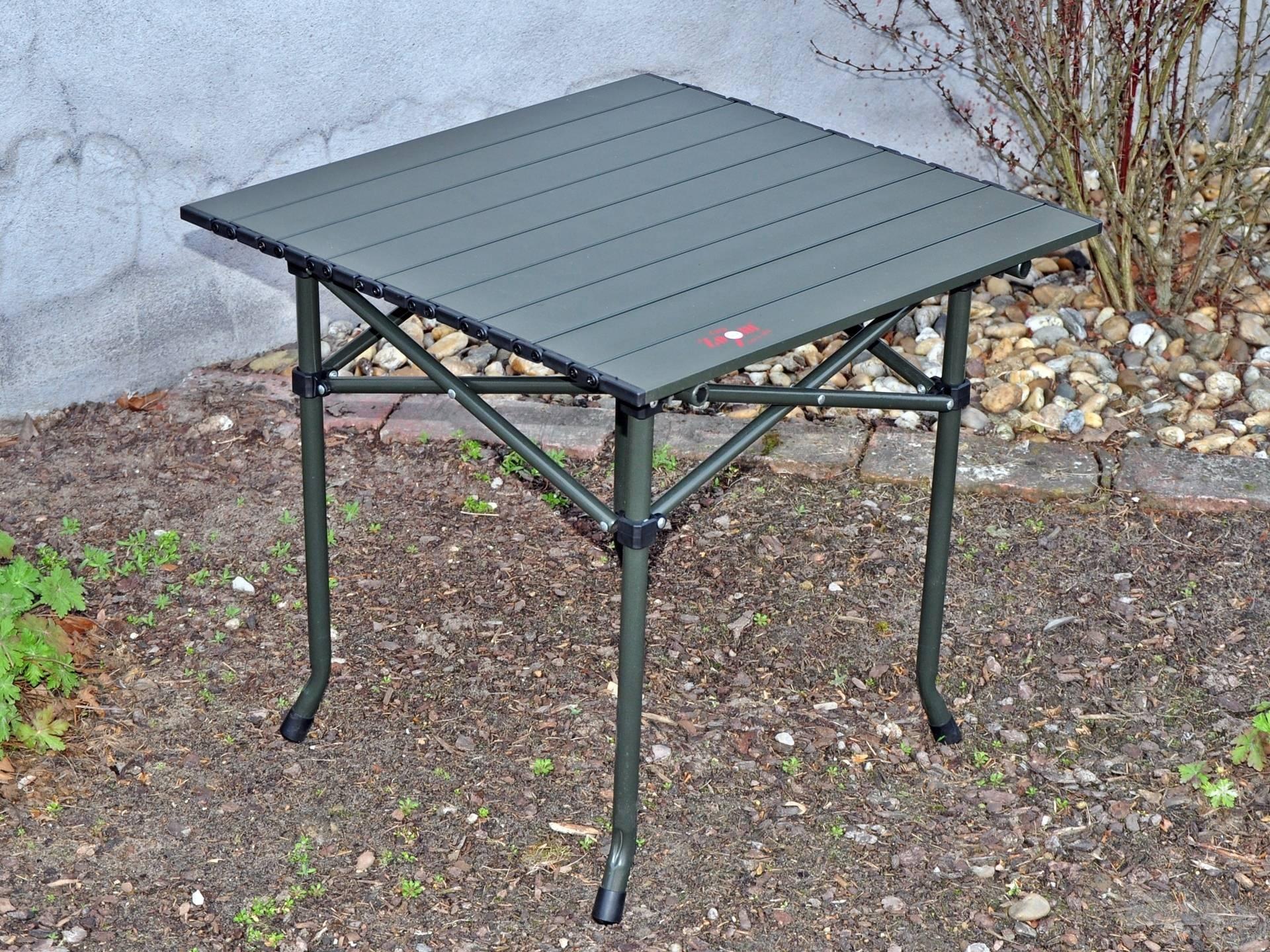 Magasabb kialakításának köszönhetően jóval kényelmesebb megoldást kínál, mint a hagyományos asztalkák