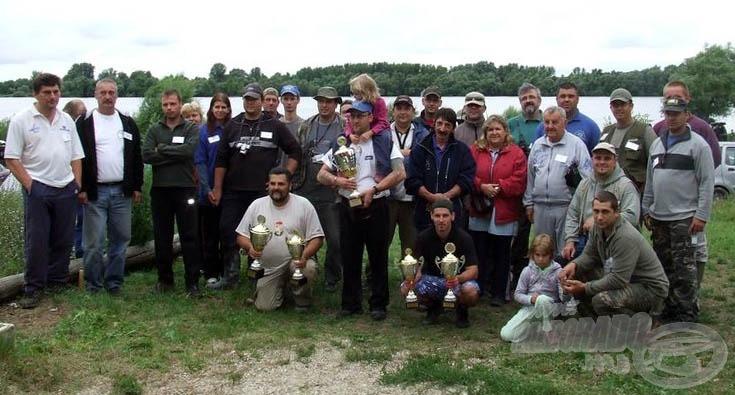 A III. dunaalmási verseny résztvevői