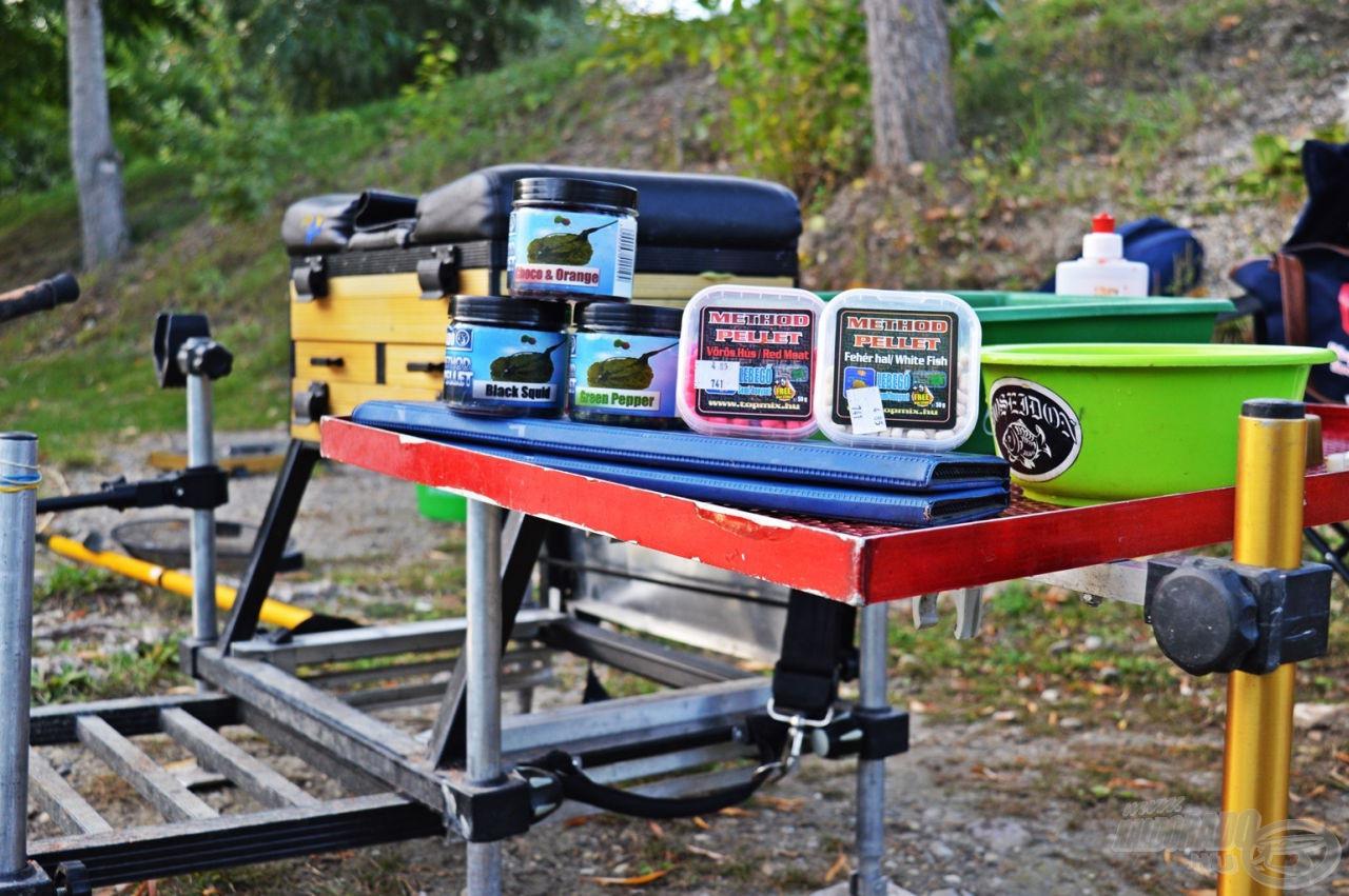 Felszerelés összerakva, a csaliknak használt finom pelletek kikészítve, indulhat a horgászat