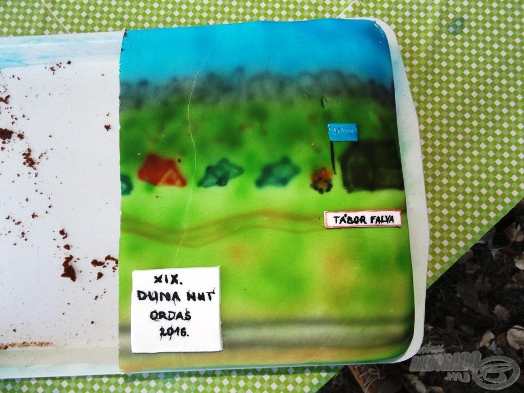 Duhajné Andi meglepetés (fél)tortája