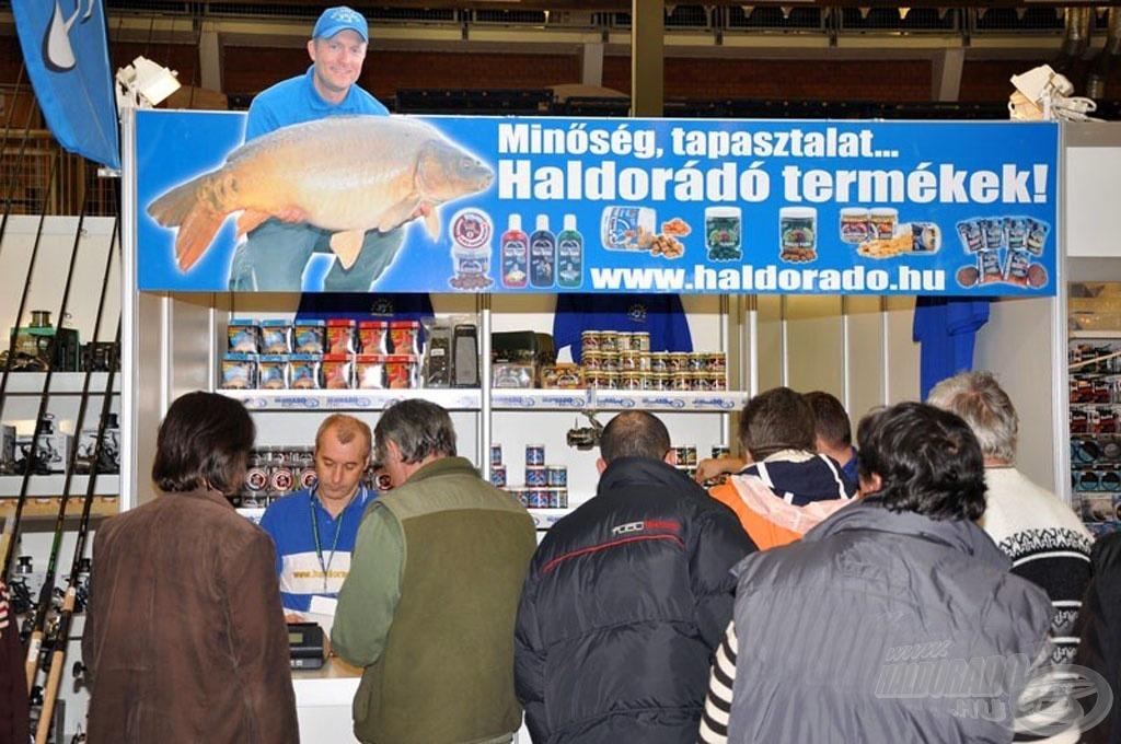 A hétvégi Horgászkiállításon minkét nap jelen leszünk a Haldorádó teljes termékválasztékával, valamint előadást is tartok a feederbotos horgászat hazai fejlődéséről