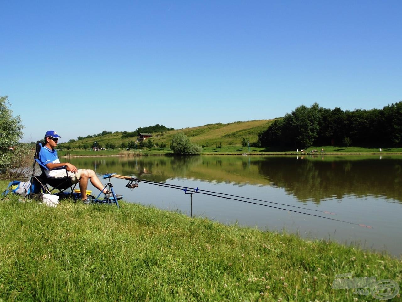 Kényelmes horgászatot kívánok mindenkinek!