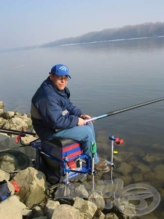 A láda hosszú lábainak köszönhetően extrém körülmények között is tudunk horgászni