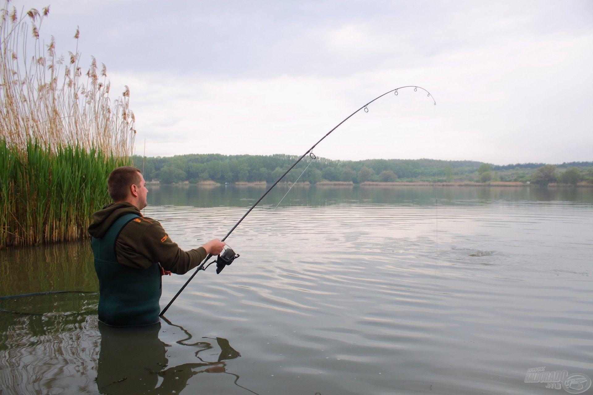 A jó páros fő ismérve, hogy nem a felszereléssel foglalatoskodunk fárasztás közben, hanem kiélvezzük a horgászat talán legszebb pillanatait