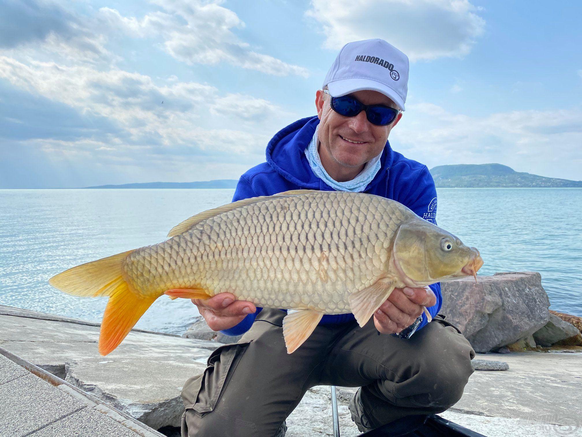 Jó szívvel ajánlom, könnyebb lesz vele a horgászat! ;-)