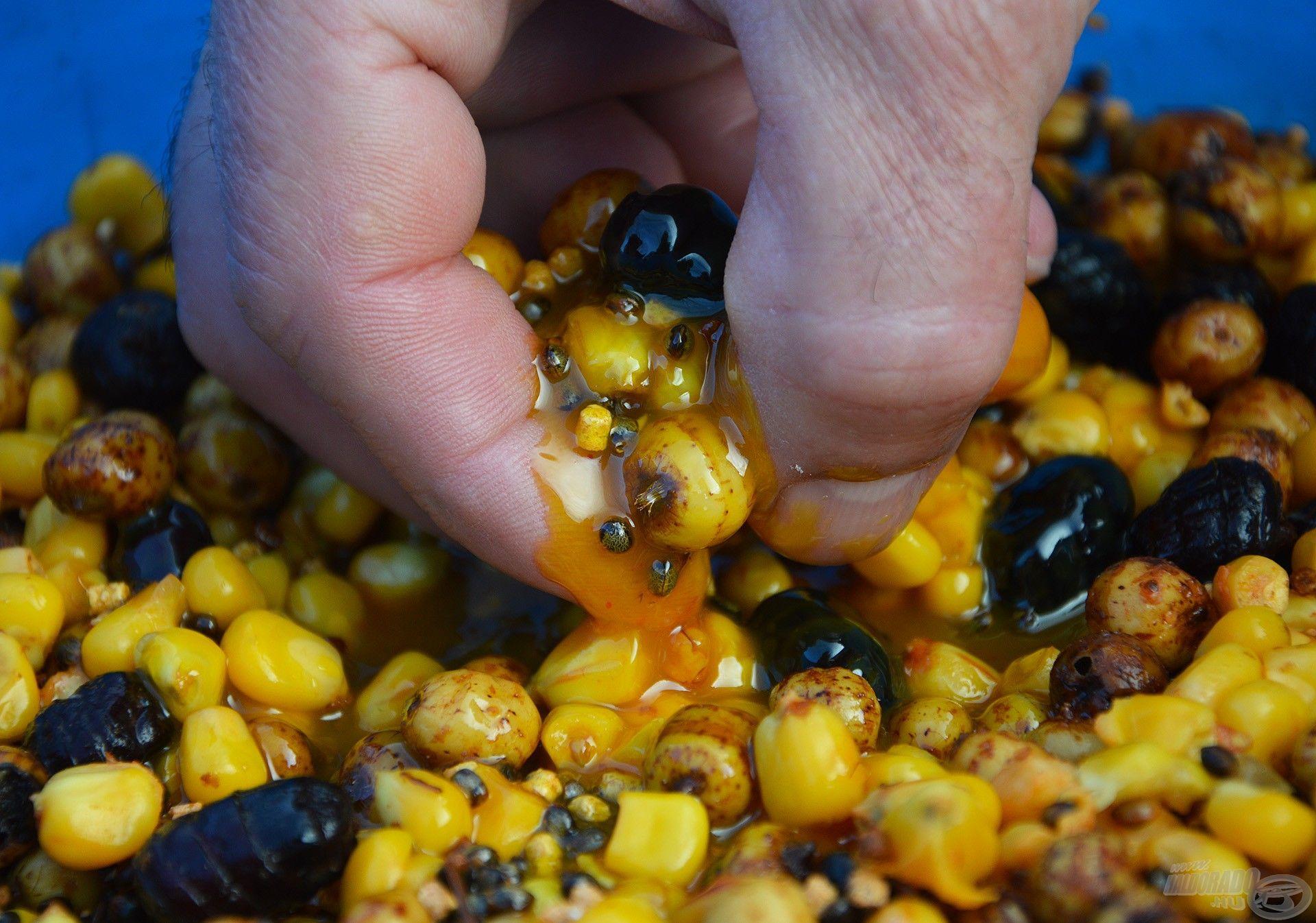 Hihetetlenül sűrű! Brutálisan intenzív íze, aromája megdöbbentően jó hatással van főként a pontyokra és amurokra!