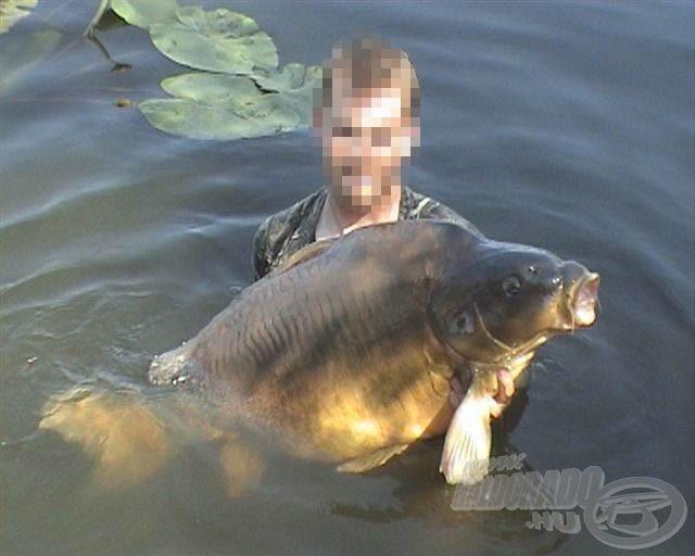"""A gyékényesi óriás 2006-ban """"átvándorolt"""" Háromfára, itt fogta meg Czintula Attila… Ekkor 31,3 kg volt"""