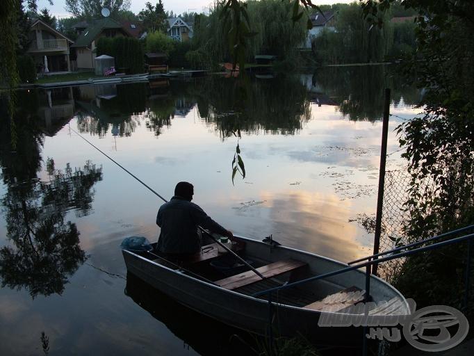 Ide kötöttem a csónakot