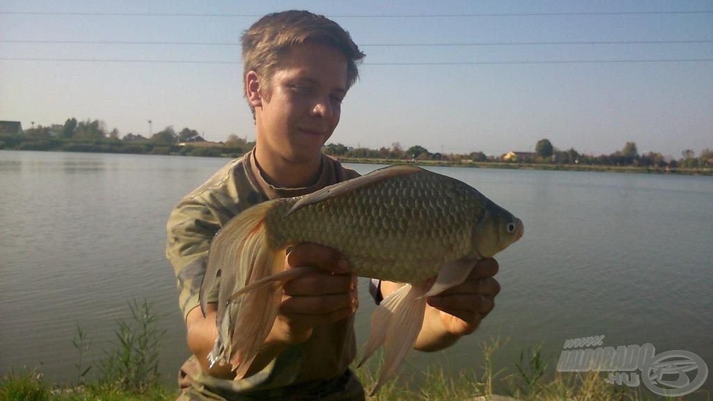 A horgászat végén igazán érdekes, látványos halat is sikerült fognom