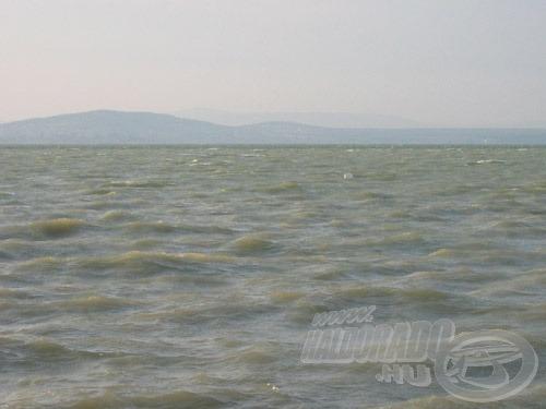 Tarajos hullámok - először csak pár hullámgerincen láthatók…