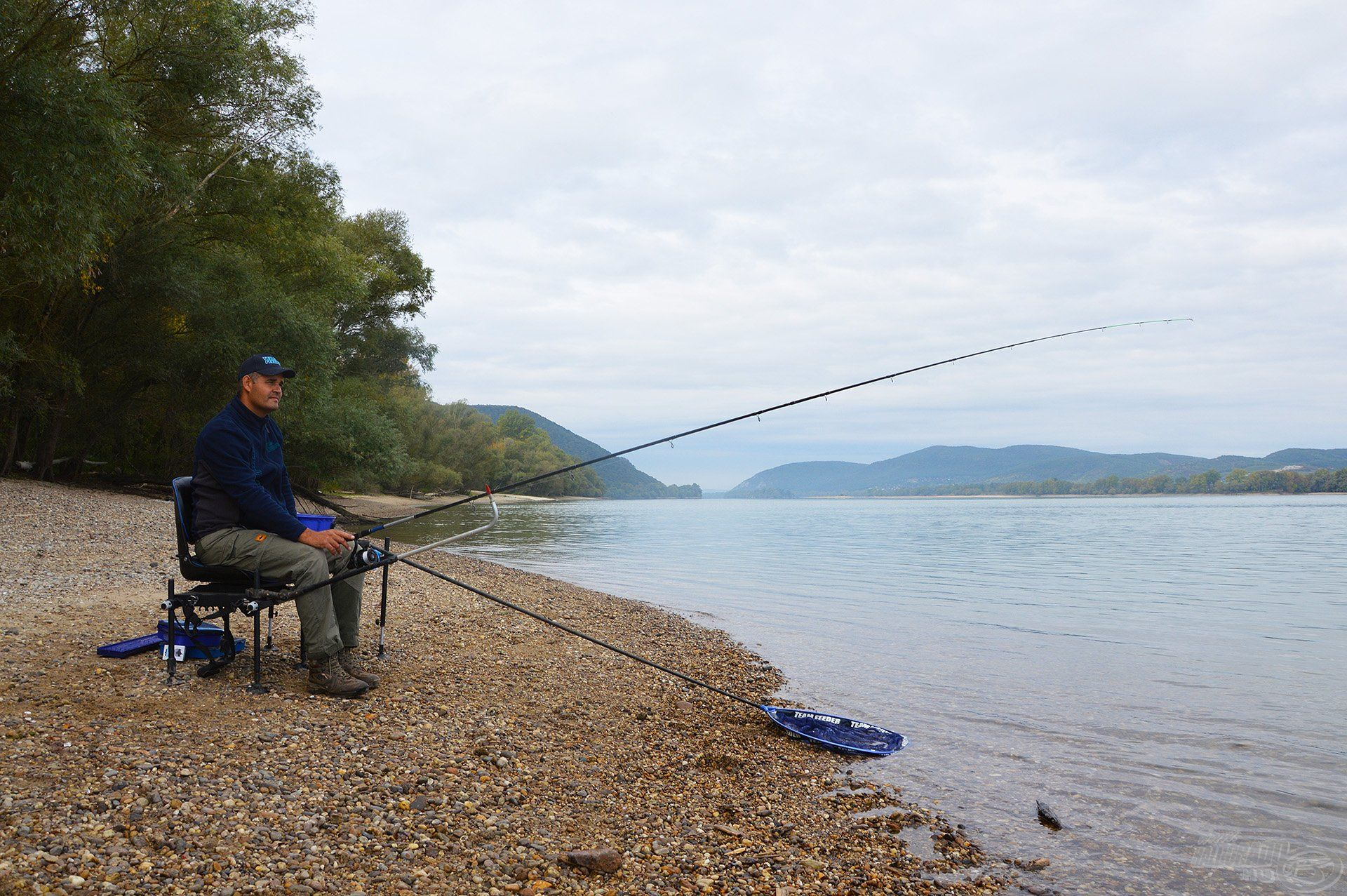 Óriási élmény az őszi Dunán horgászni…