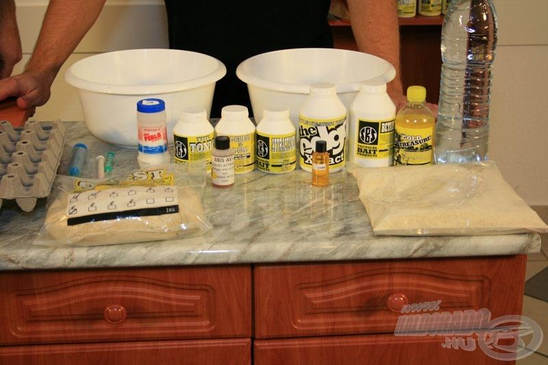 Balról az AV1-es mix, jobbról a legújabb SBS termék, a Corn Base mix. Ezekből készítünk bojlit