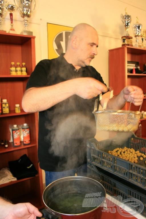 A főzött bojli receptúrája alapján jöhet a kifőzés…