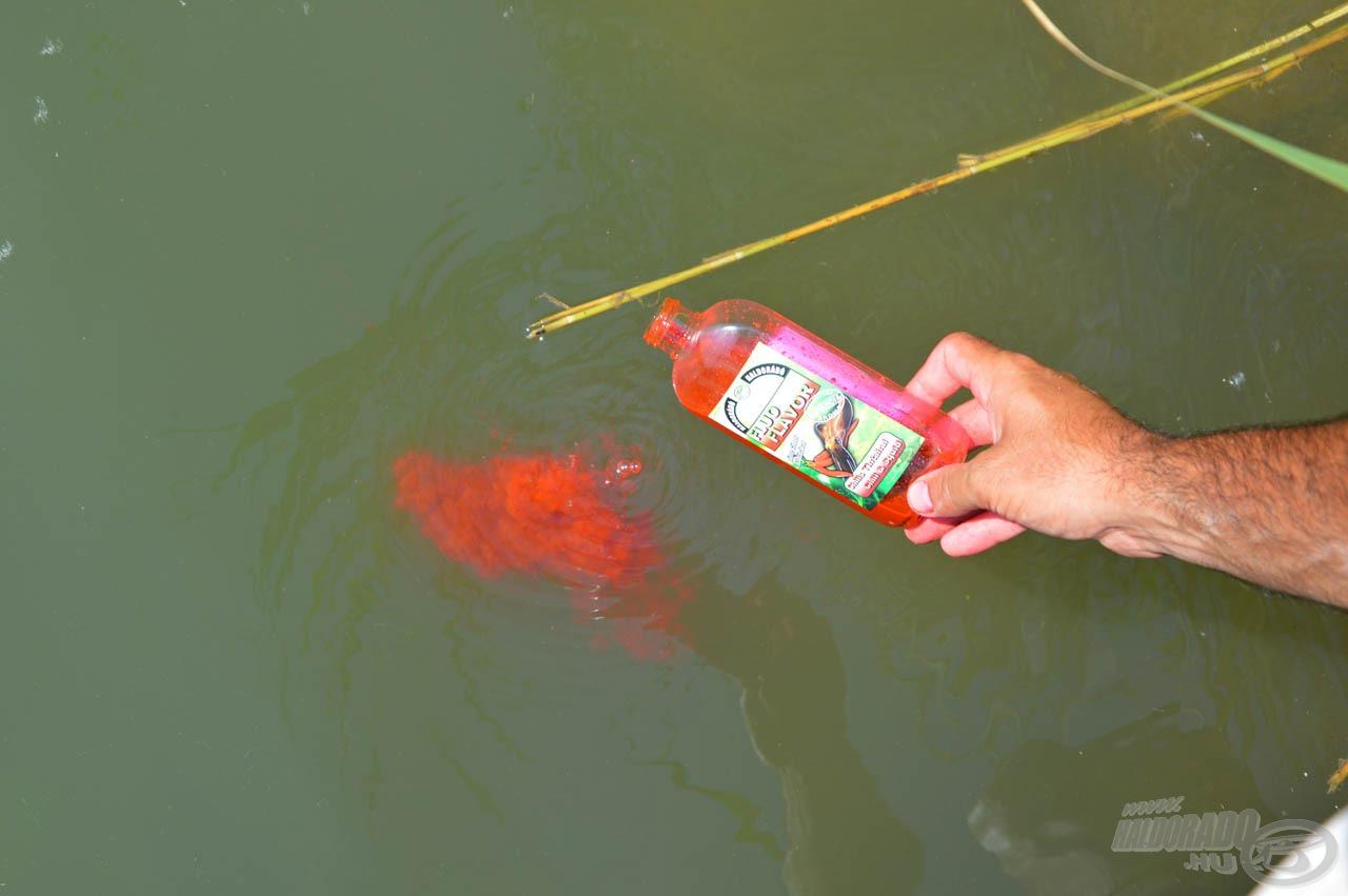 A Chilis Tintahal Fluo Flavor téglavörösre festi a vizet