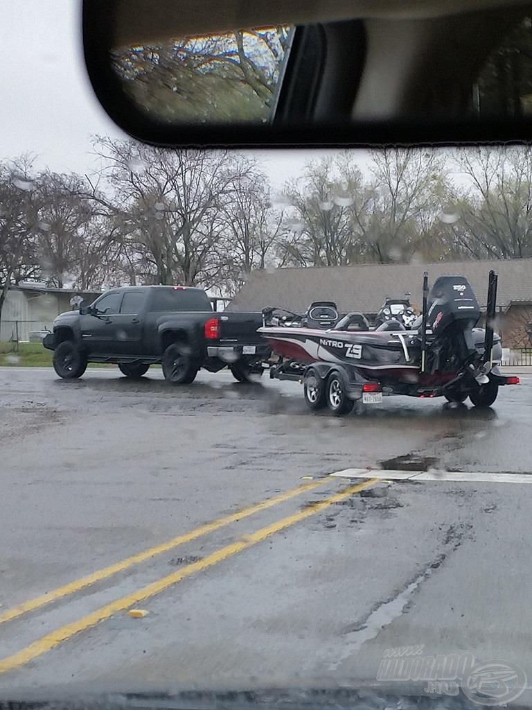 Úton-útfélen ez a páros a leggyakoribb: Pickup truck - Bass boat kombó