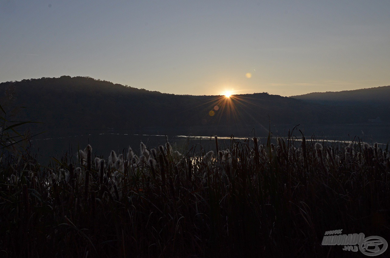Ahogy a Nap eltűnt a hegyek mögött, új időszámítás kezdődött