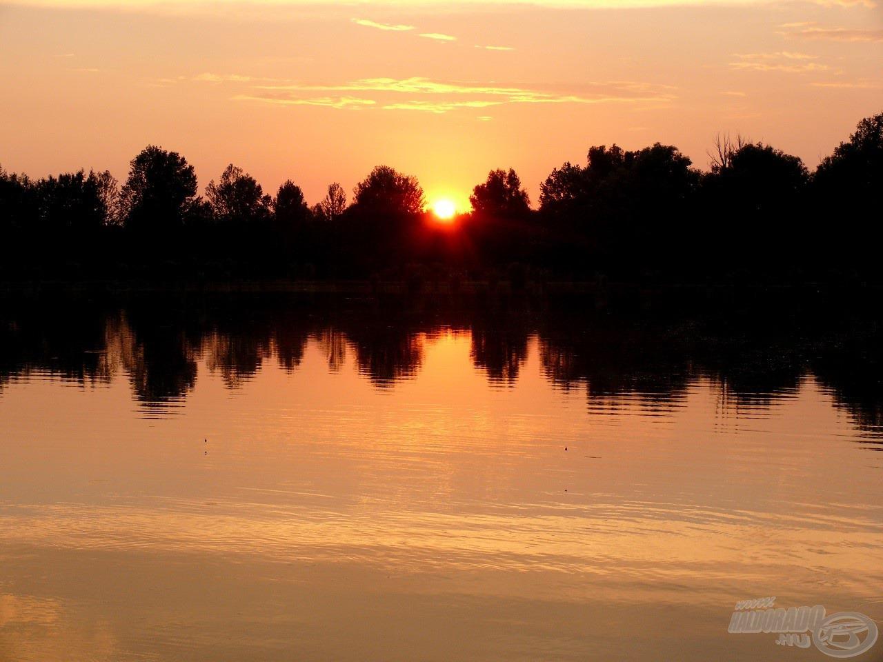 Este mesés naplementében gyönyörködhettünk…
