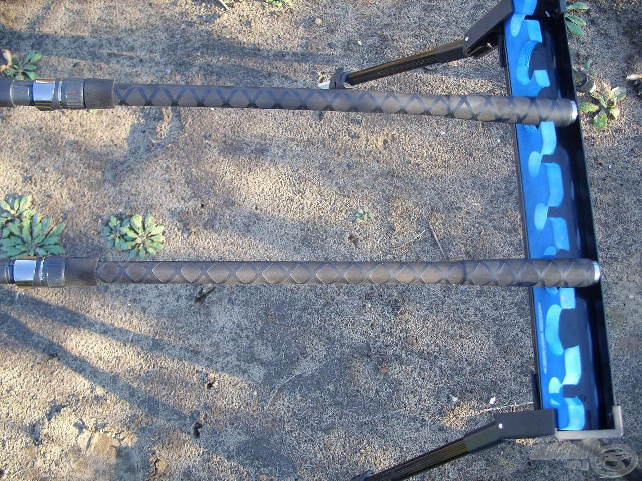 Az Envy Feederek nyele meglehetősen szokatlan, ám annál esztétikusabb és praktikusabb, osztott EVA borítású. Ez garantáltan csúszásmentes és strapabíróbb, mint a parafa