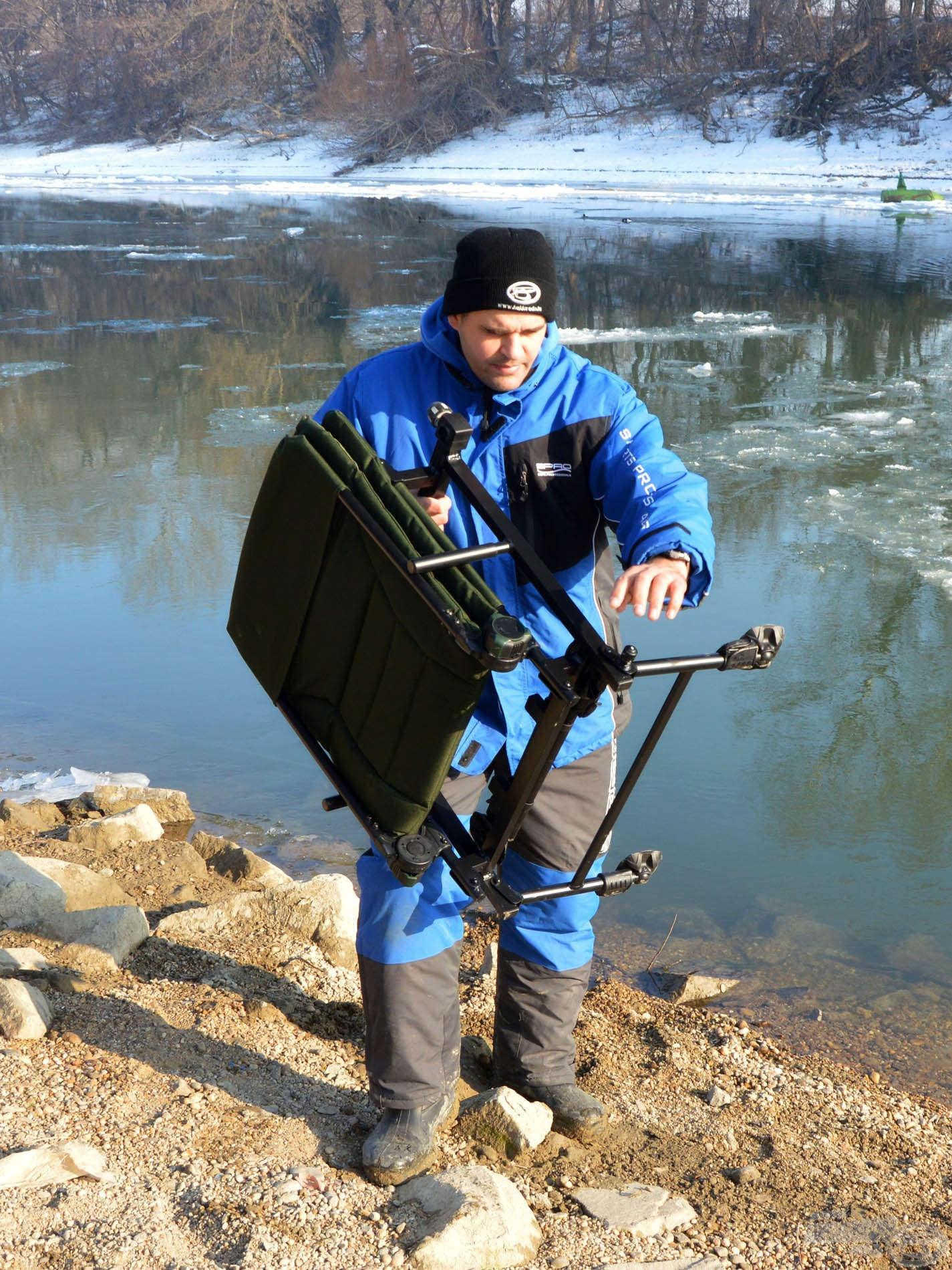 Sajnos a tél szorítása nem engedte, hogy horgászat közben próbáljam ki a Feeder Fotelt, de a vízpartról azért se mondtam le!