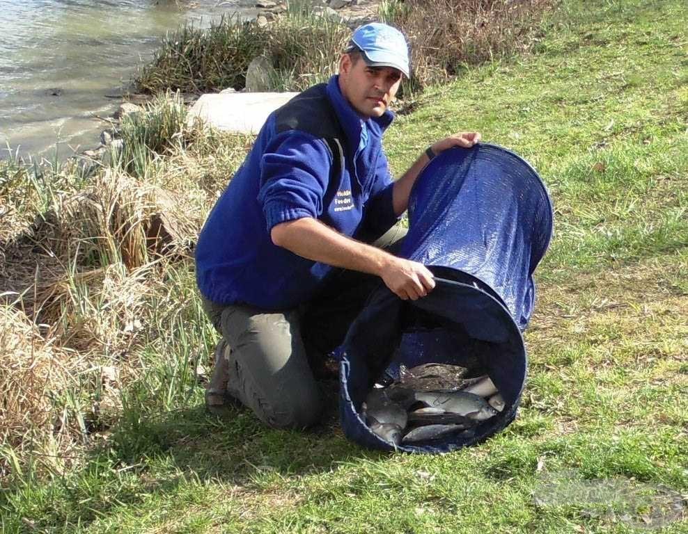 Ha keservesen is, de szép halakat adott a Duna-ág ma is!