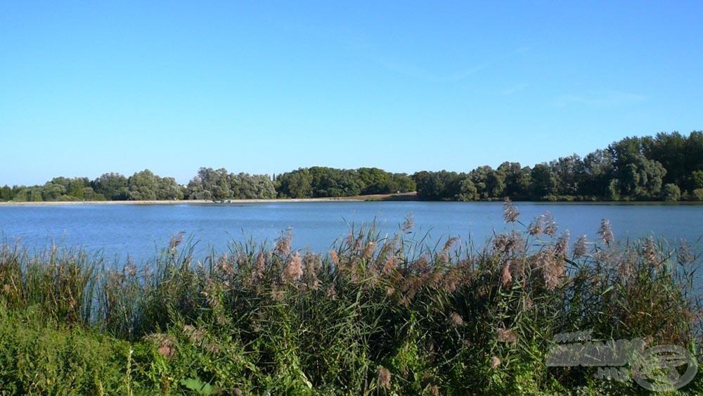 Szép nagy tó