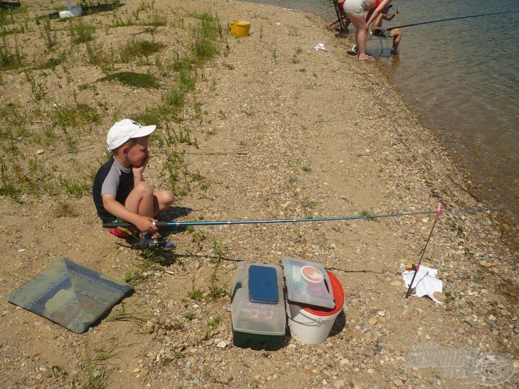 Első horgászversenyem úszós készséggel