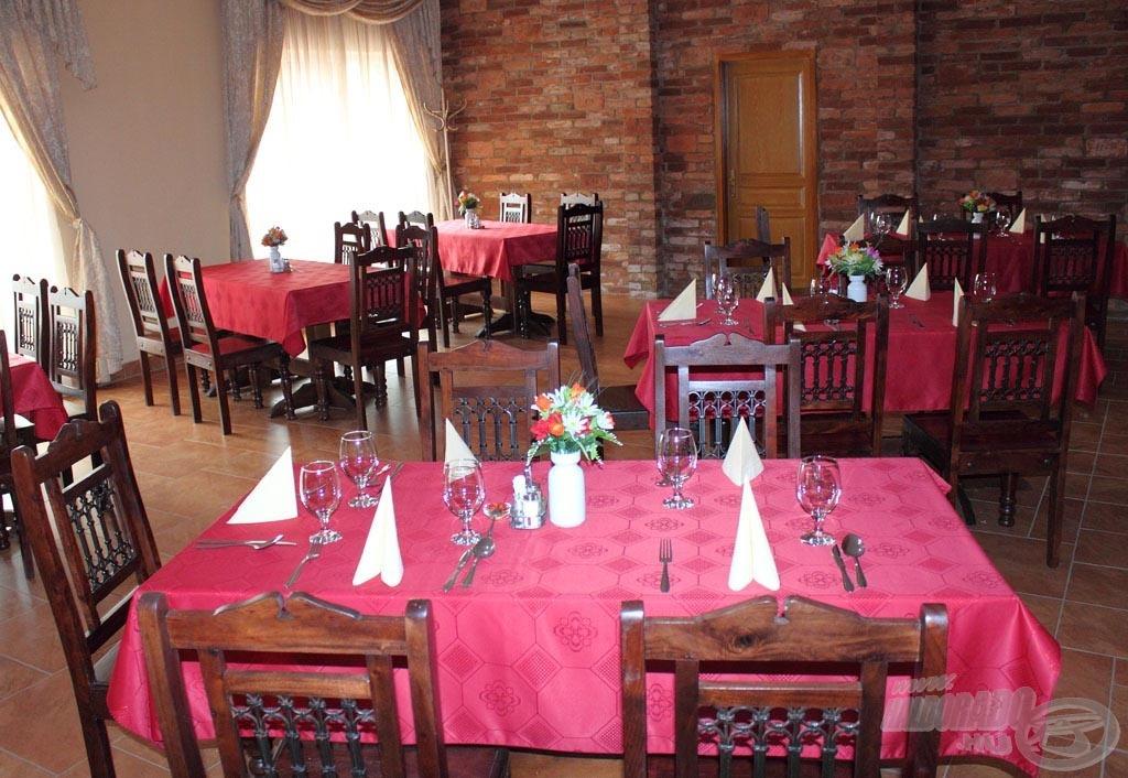 A Verba tanya horgásztó étterme ízletes ételekkel várja az éhes horgászokat
