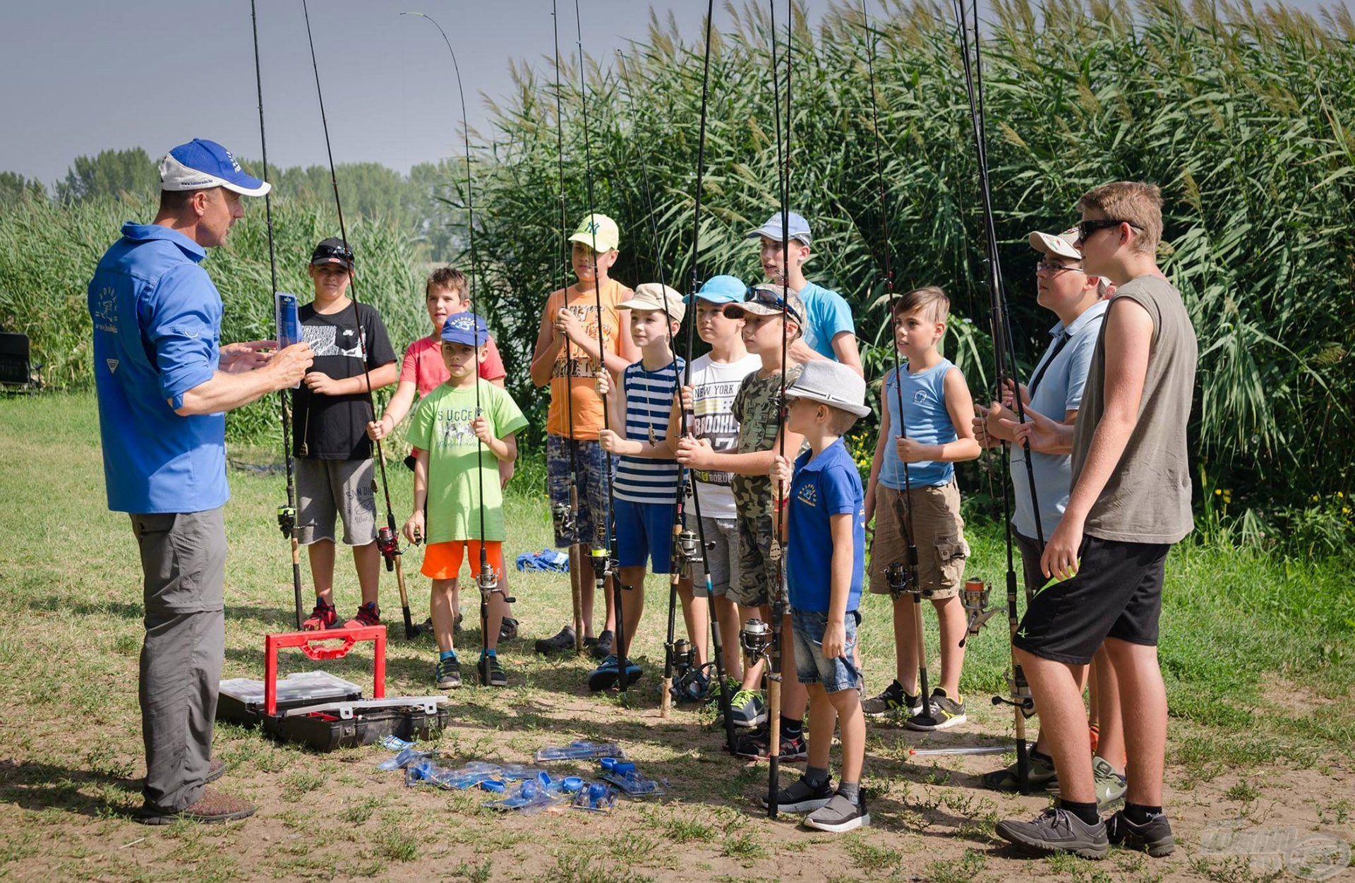 Együtt minden nap átbeszéljük, hogy milyen módszerrel fogunk horgászni…