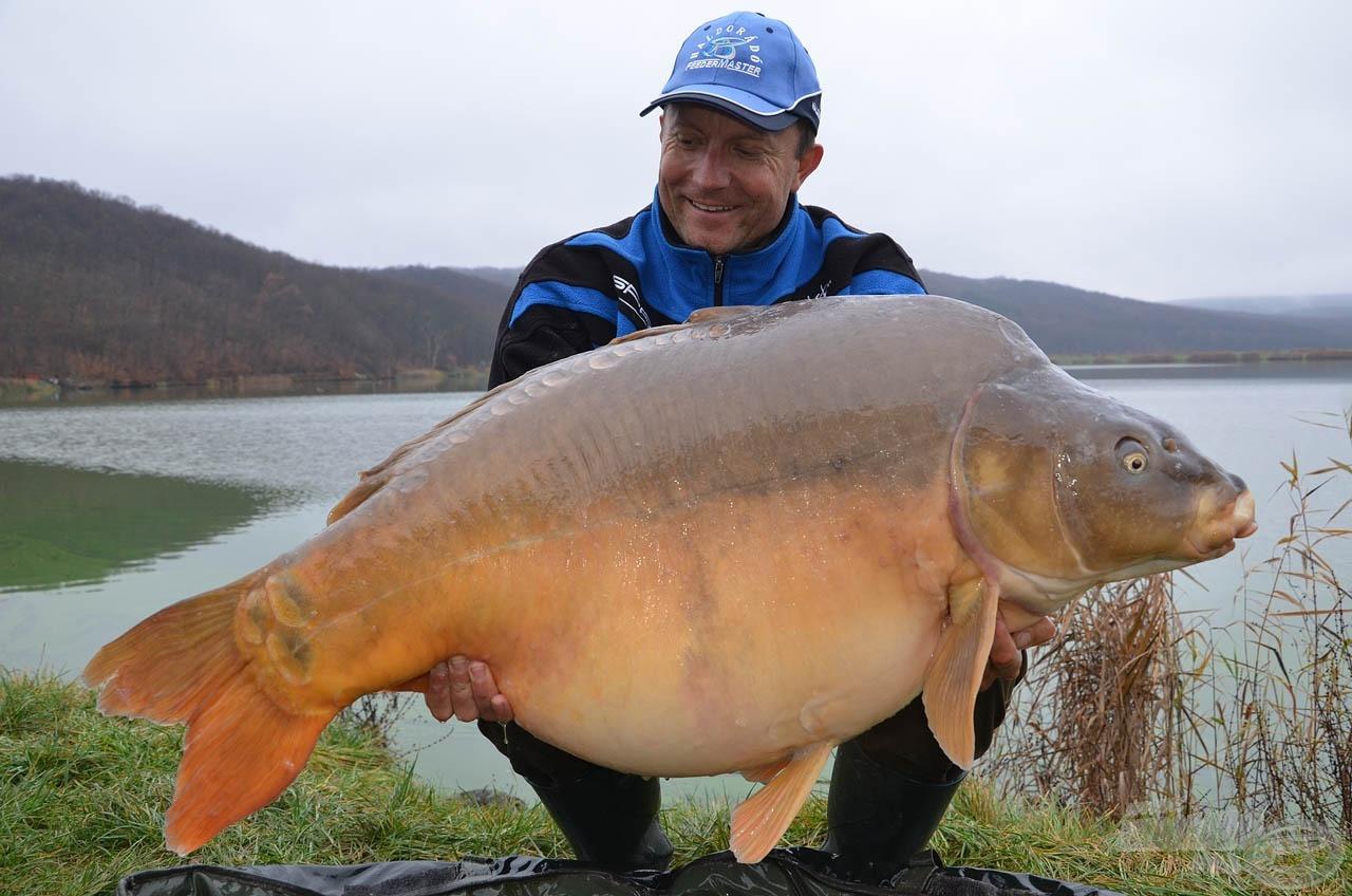 Személyes pontyrekordom: 28,66 kg. Még 'Big Boss' sem tudott az ízes, dipes falatnak ellenállni!