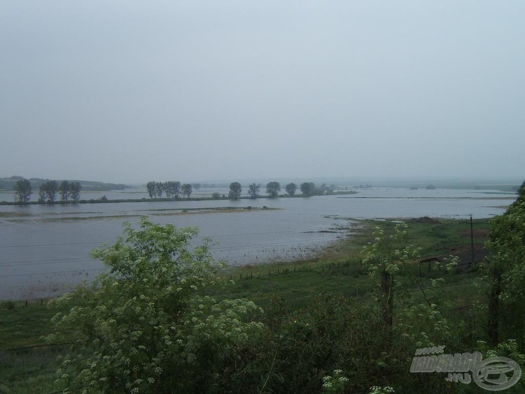 A Kapos kiöntött területe szerintem legalább Velencei-tó méretű volt az árvíz idején!