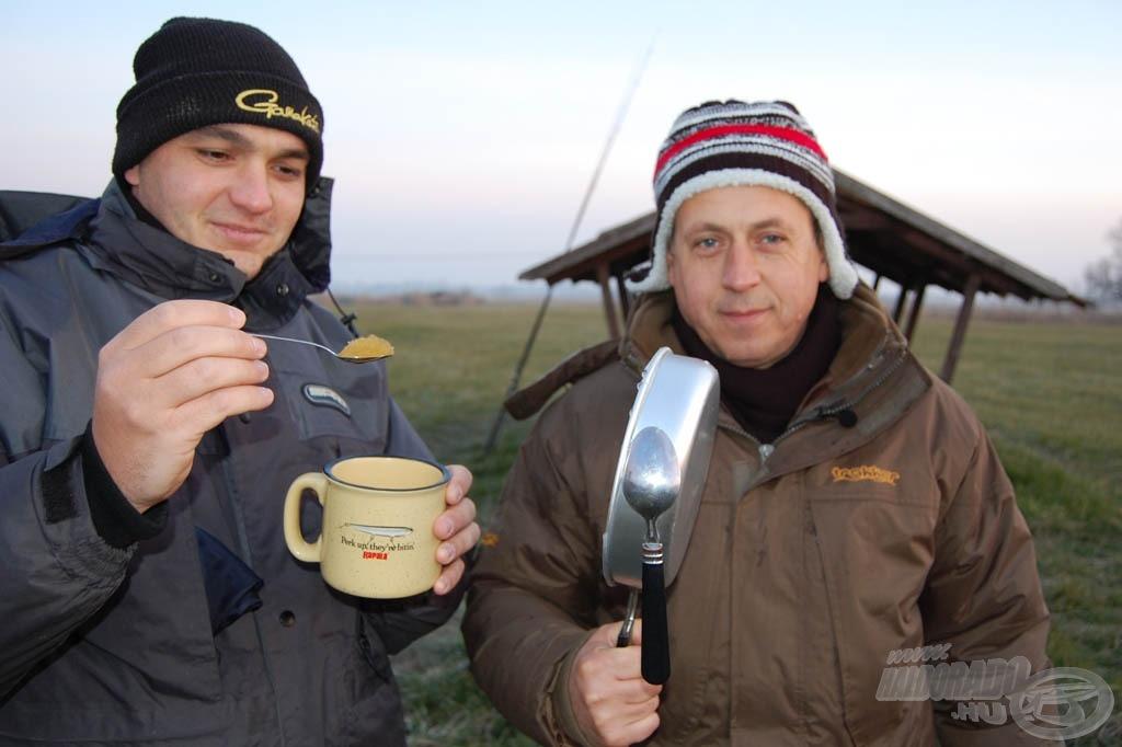 A forró tea kitöltve, 10-15 perc alatt jégkásává vált a pohárban!