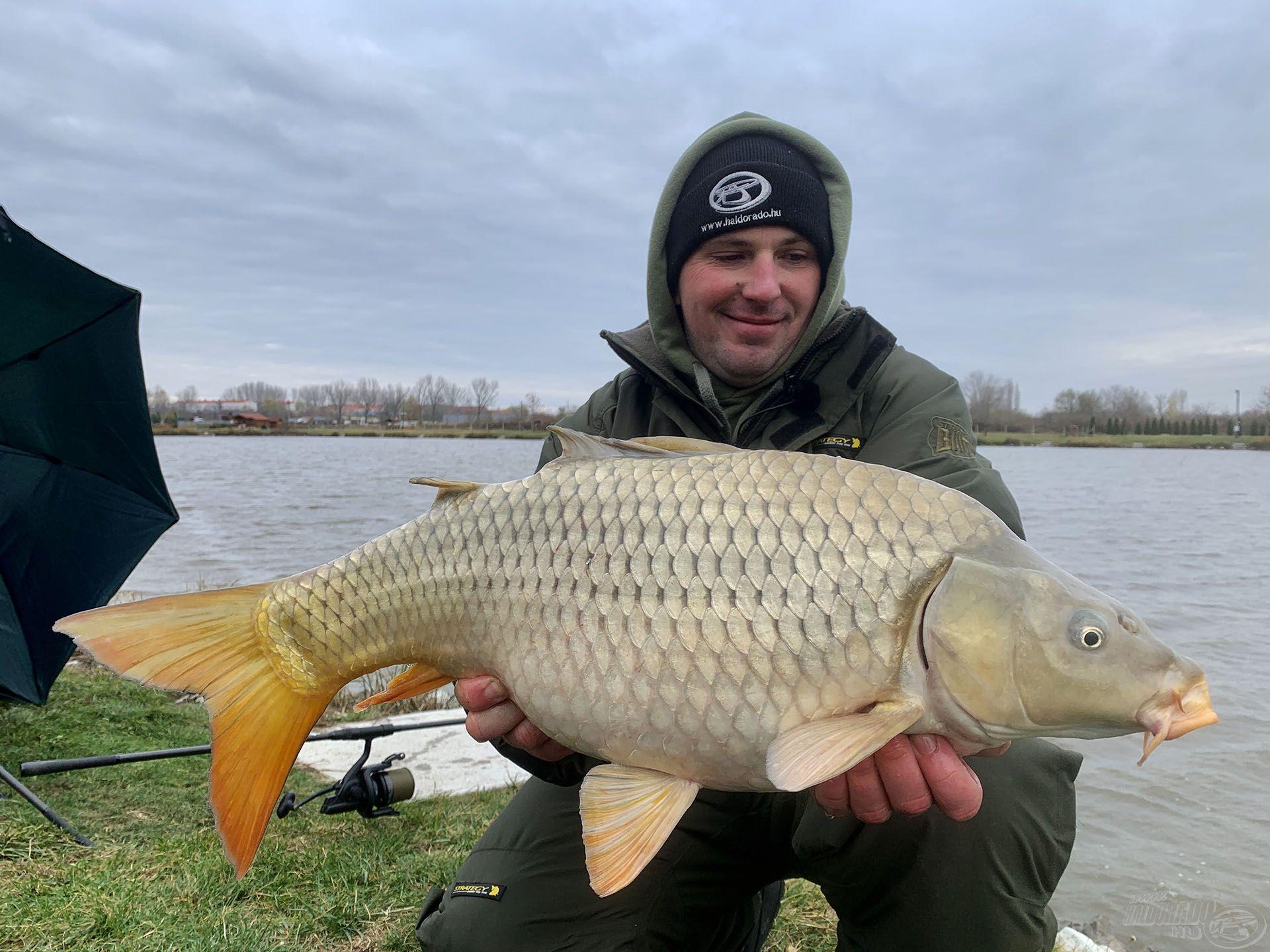 … még a hideg vízben is termetesebb halakat fogott