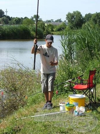 Horgászni lehet korra…