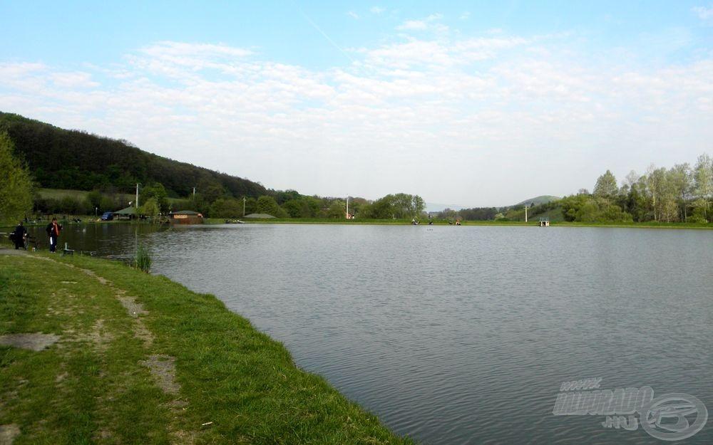 Szép környezet, kiváló levegő, tökéletes időjárás. Mi kell még a zavartalan horgászathoz? Nem árt azért, ha halat is sikerül fogni