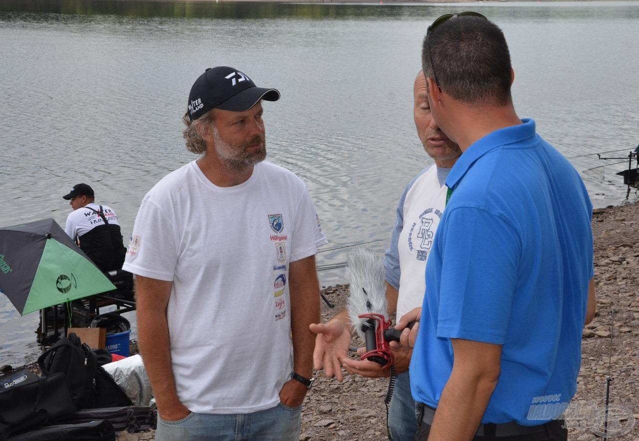 Ahogy közeledik a verseny Walter Tamás kapitányt egyre több média keresi meg interjú miatt, ők éppen franciák