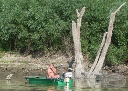 A cimborák már kinn horgásznak