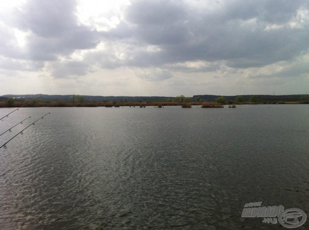 Az előttünk elterülő, meghorgászandó vízterültet