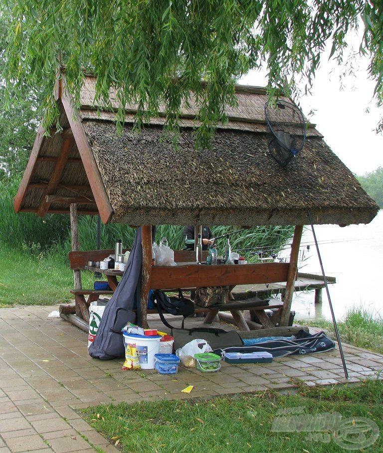 Ilyen esőbeállók teszik még kényelmesebbé a horgászatot