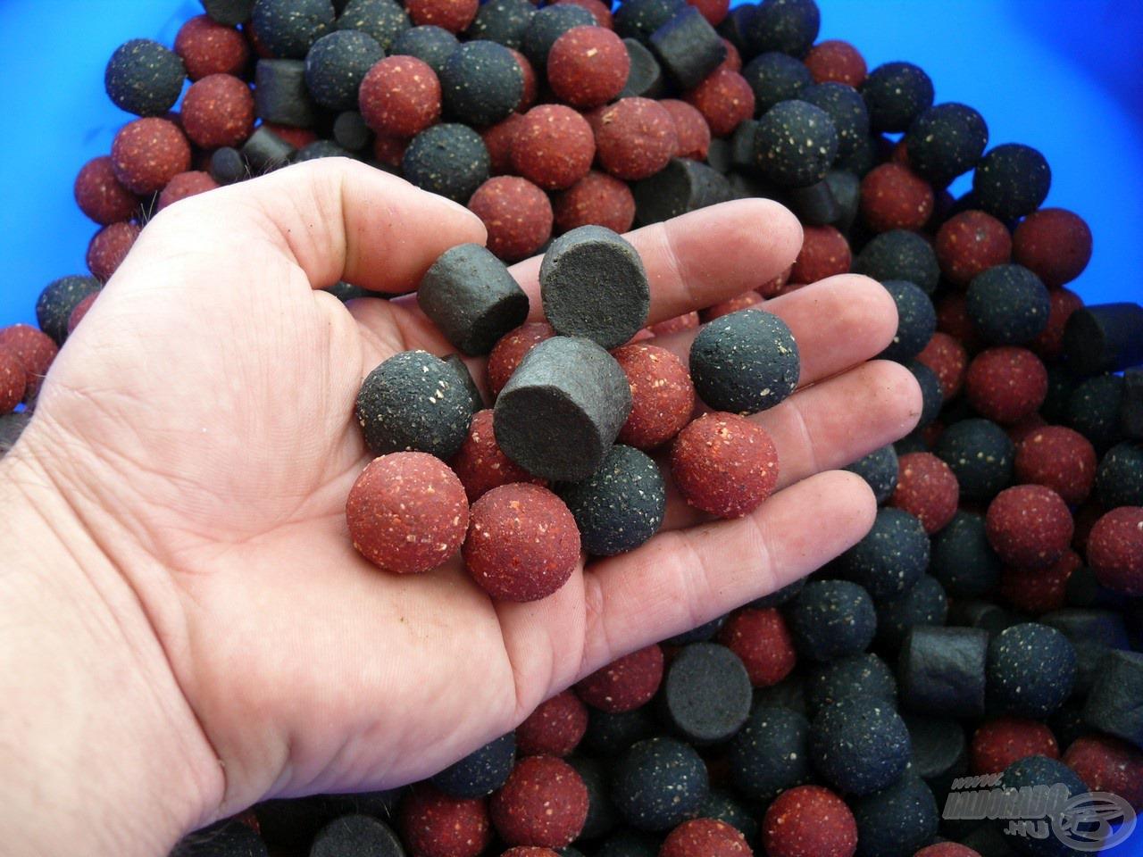 Az etetésre vegyesen Fekete Tintahalas és Fűszeres Vörös Máj bojli került, kiegészítve egy kis halibut pellettel