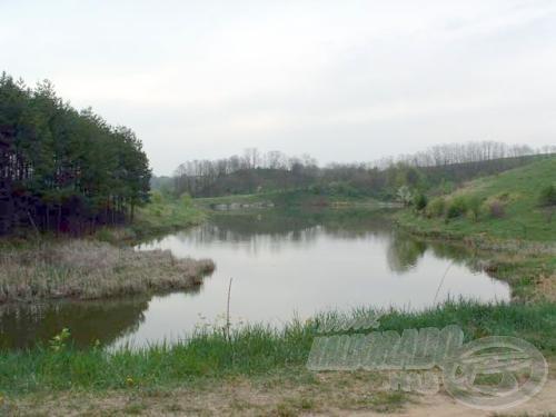 A Ceredi tórendszer legnagyobb tava temérdek szép kárász lakhelye
