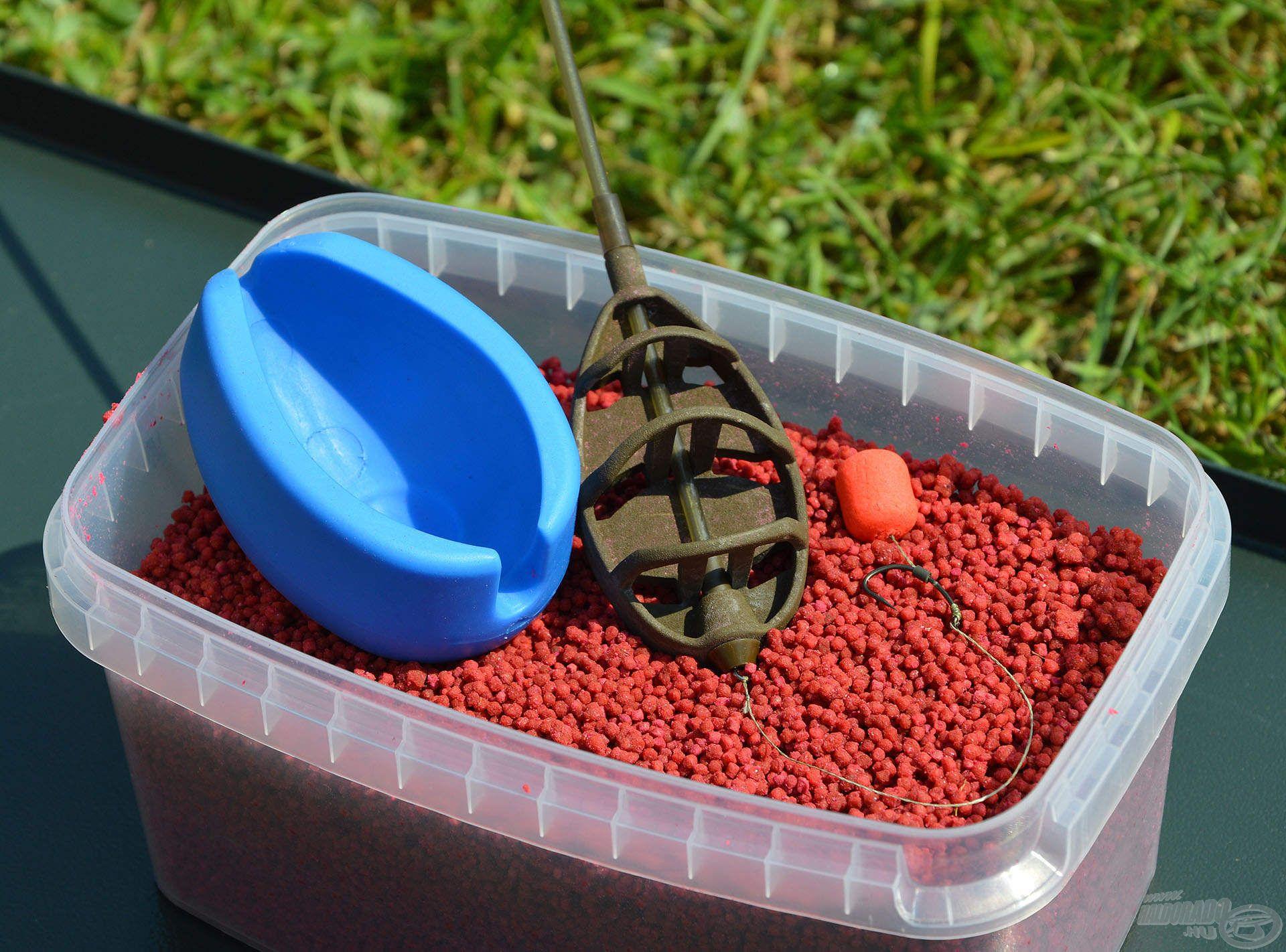 A Micro Method Feed Pelletek egyik előnye, hogy nagyon hamar elkészíthetők: amint a pelletek megdagadtak, rögvest kosárba tölthetők és készen állnak a horgászatra