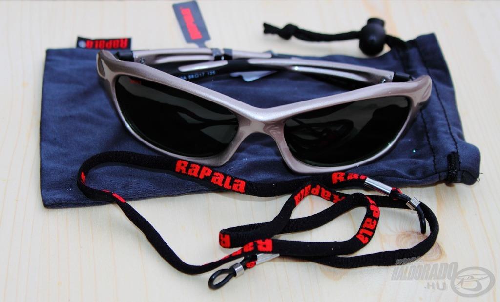 Valamennyi Rapala Sportsman's szemüveg puha tokkal - ami egyben lencsetisztító is - és szemüvegtartó pánttal kerül forgalomba