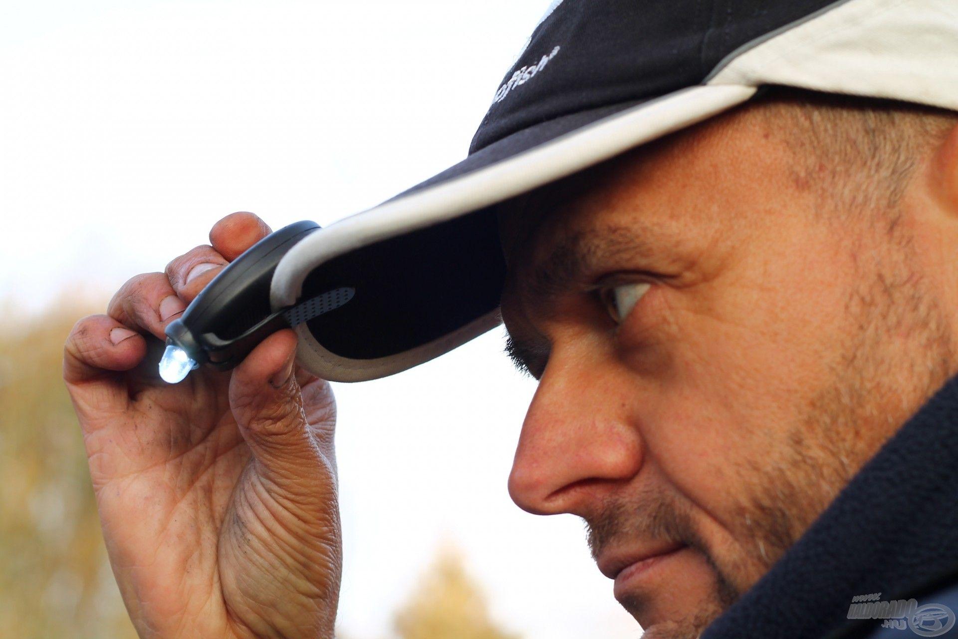 Carp Expert Neo USB tölthető mozgásérzékelős fejlámpa sapkára rögzítve…