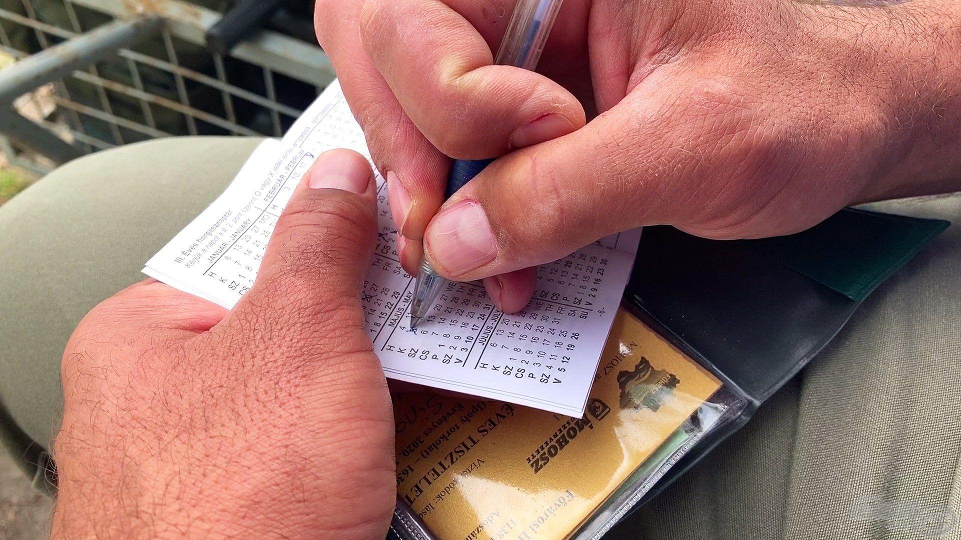 A horgászat megkezdése előtt a fogási naplóban mindenképp regisztrálni kell a horgászat dátumát
