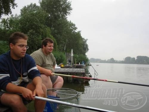 Mindketten spiccbottal horgásztunk