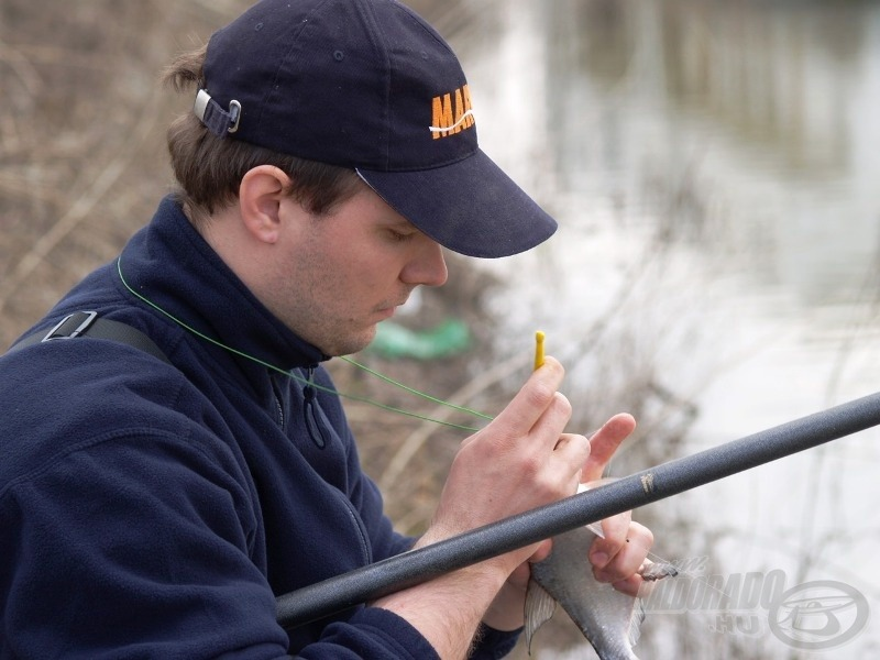 Használjuk a horogszabadítót! Kíméljük vele a halat és a horgot is